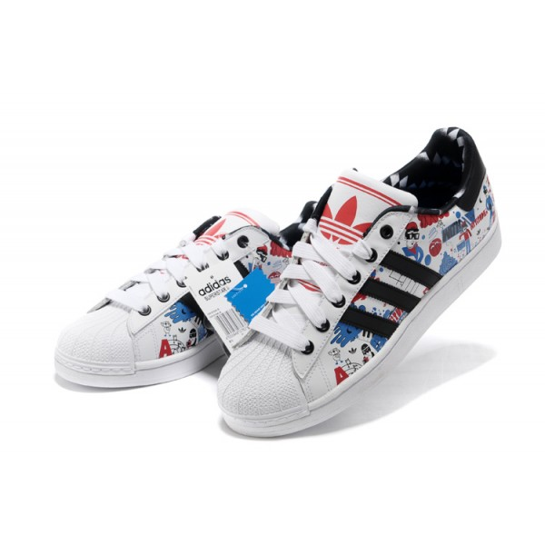 detailed pictures 0a5b6 528f7 Chaussure Adidas Superstar 2 Formateurs Dessin anime Graffiti